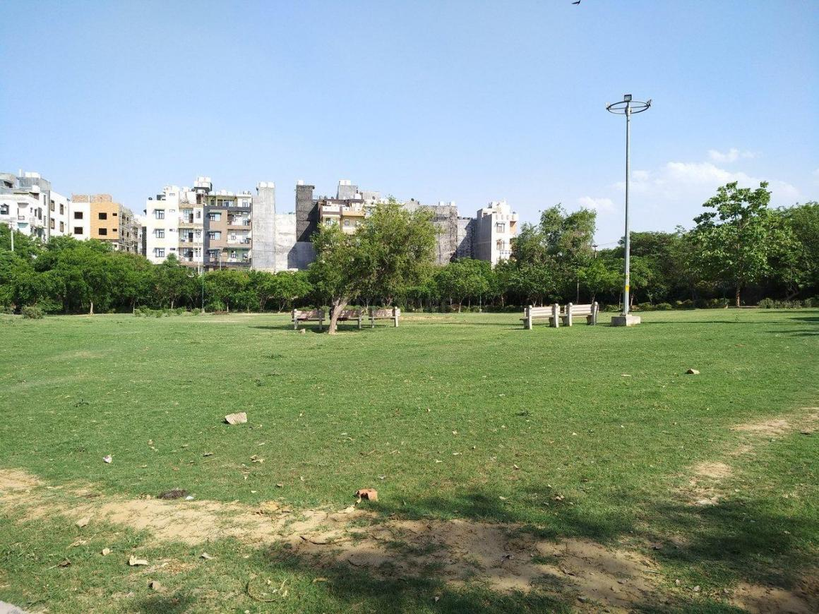 Parks Image of 400 - 2250 Sq.ft 1 BHK Apartment for buy in New Lamba Floors