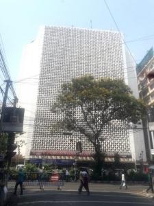 Shopping Malls Image of 0 - 1900.0 Sq.ft 3 BHK Apartment for buy in Diamond Park View