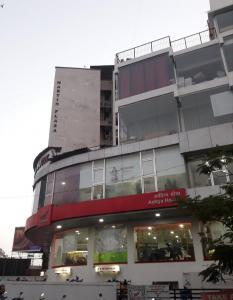 Shopping Malls Image of 950 Sq.ft 2 BHK Apartment for rent in Rajhans Kshitij Aspen Wing C, Vasai West for 13000