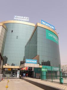 Shopping Malls Image of 275 Sq.ft 1 RK Apartment for buy in Central Park Town Houses, Sector 48 for 900000