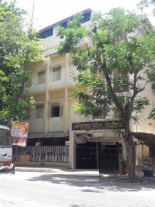 आमान्न सॉलिटेयर बी विंग, बोरीवली वेस्ट  में 25500000  खरीदें  के लिए 940 Sq.ft 2 BHK अपार्टमेंट के स्कूलों और विश्वविद्यालयों   की तस्वीर