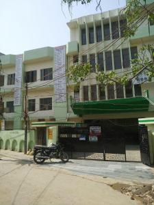 Schools &Universities Image of 450.0 - 1000.0 Sq.ft 1 BHK Apartment for buy in R P Krishna Homes