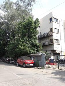 Shopping Malls Image of 1500 Sq.ft 3 BHK Apartment for rent in Bibwewadi for 30000