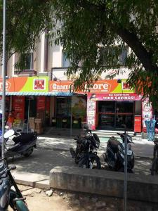Groceries/Supermarkets Image of 622 Sq.ft 1 BHK Apartment for rent in Sembakkam for 6500