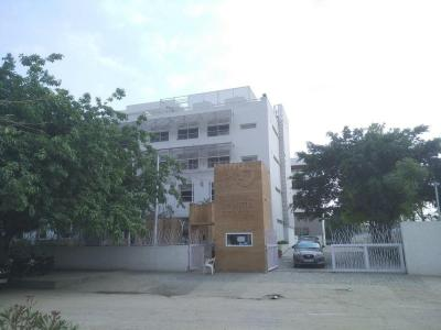 डीडीए ओम अपार्टमेंट में खरीदने के लिए 450.0 - 650.0 Sq.ft 1 BHK अपार्टमेंट स्कूलों और विश्वविद्यालयों   की तस्वीर