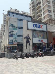 Shopping Malls Image of 977 - 1997 Sq.ft 2 BHK Apartment for buy in Space Clubtown Heights
