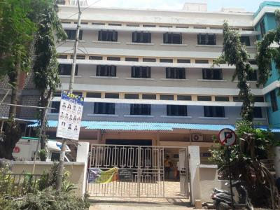 Hospitals & Clinics Image of 950 Sq.ft 2 BHK Apartment for rentin Malad East for 38000