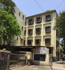 Schools & Universities Image of 1280 Sq.ft 3 BHK Apartment for rent in Vile Parle East for 90000