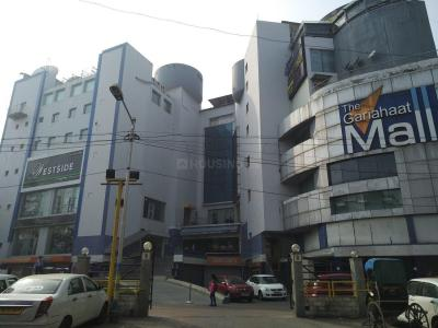 Shopping Malls Image of 1025 - 1044 Sq.ft 3 BHK Apartment for buy in Swastic Monikana
