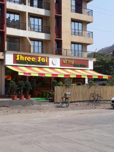 Food & Drinks Section Image of 1098.0 - 2000.0 Sq.ft 2 BHK Apartment for buy in Shree Krupa Vimal Heights