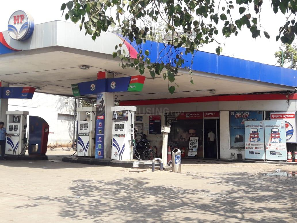 Petrol Pumps Image of 400 Sq.ft 1 BHK Independent House for buy in Jogeshwari West for 4000000