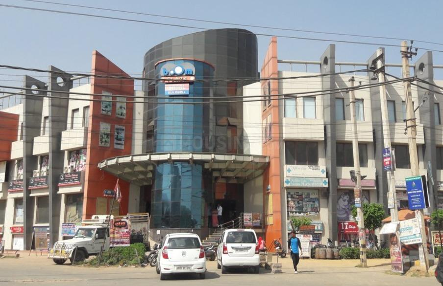 Shopping Malls Image of 2700 Sq.ft 3 BHK Independent House for buy in Sector 57 for 25500000