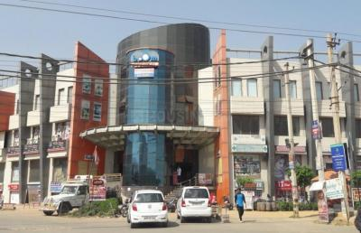 Shopping Malls Image of 1000 Sq.ft 1 RK Independent House for rent in Sector 57 for 10300