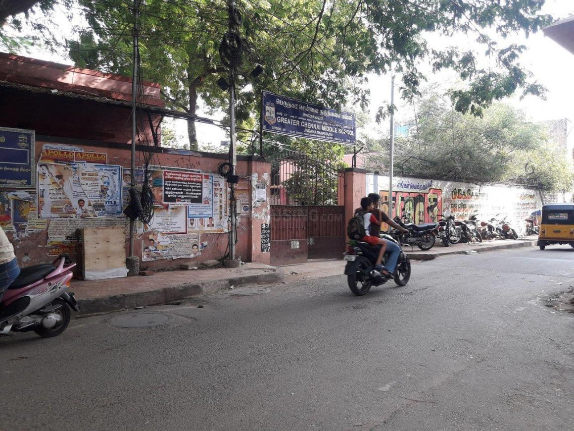 Schools & Universities Image of 832 Sq.ft 1 RK Apartment for buy in Chetpet for 120000000