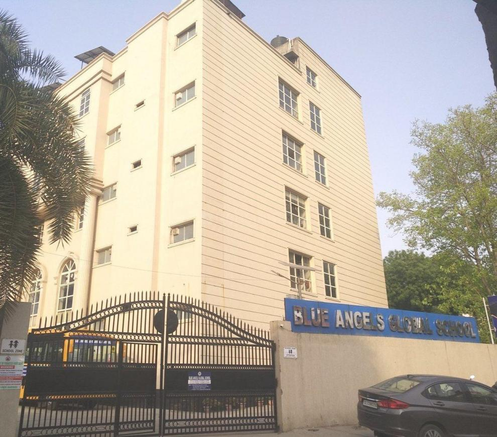 Schools & Universities Image of 720 Sq.ft 2 BHK Apartment for buy in Dayal Bagh Colony for 2000000