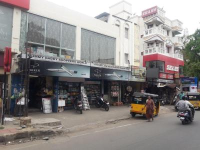 Groceries/Supermarkets Image of 864.0 - 1736.0 Sq.ft 2 BHK Apartment for buy in Selvaganesh Creek Front