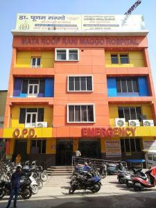 Hospitals & Clinics Image of 450.0 - 900.0 Sq.ft 1 BHK Independent Floor for buy in Sanya Floors - I