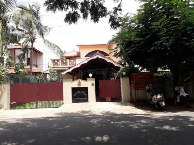 Schools & Universities Image of 21655 Sq.ft Residential Plot for buy in Neelankarai for 200000000