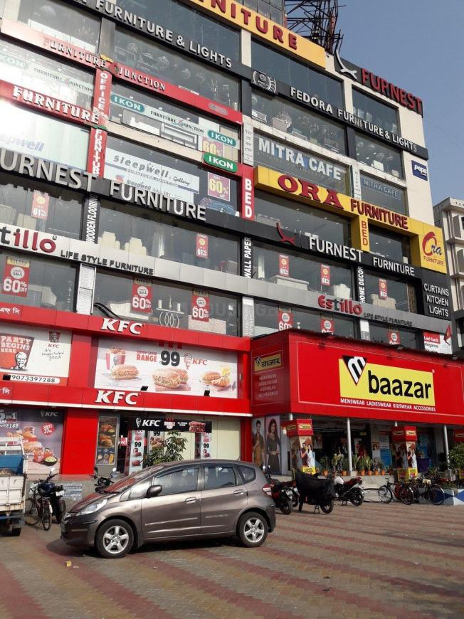Shopping Malls Image of 150 Sq.ft Studio Apartment for buy in Baguiati for 1400000