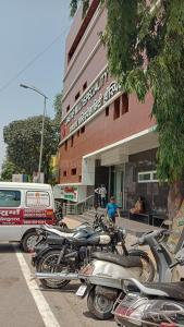 आदिनाथ, आनंद नगर  में 5000000  खरीदें के लिए 980 Sq.ft 2 BHK अपार्टमेंट के अस्पतालों और क्लिनिक  की तस्वीर