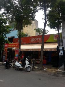 Groceries/Supermarkets Image of 351 Sq.ft 1 RK Apartment for buy in Raj Nagar for 1350000