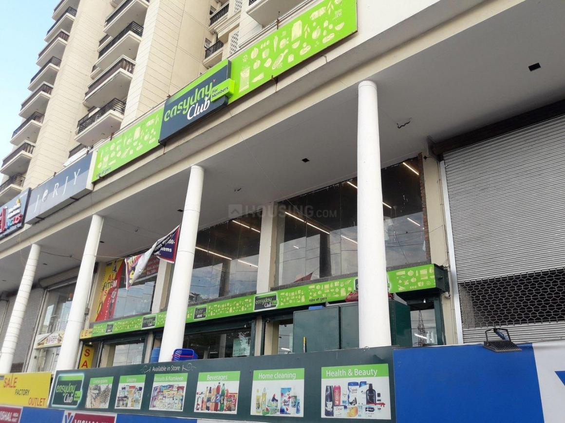 Groceries/Supermarkets Image of 525 Sq.ft 1 BHK Independent Floor for buy in Vasundhara for 1984000