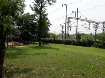 हरी नगर आश्रम  में 6000000  खरीदें  के लिए 6000000 Sq.ft 4 BHK इंडिपेंडेंट फ्लोर  के पार्क  की तस्वीर