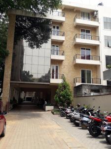 Schools &Universities Image of 0 - 2946 Sq.ft 2 BHK Apartment for buy in Elegant Elite