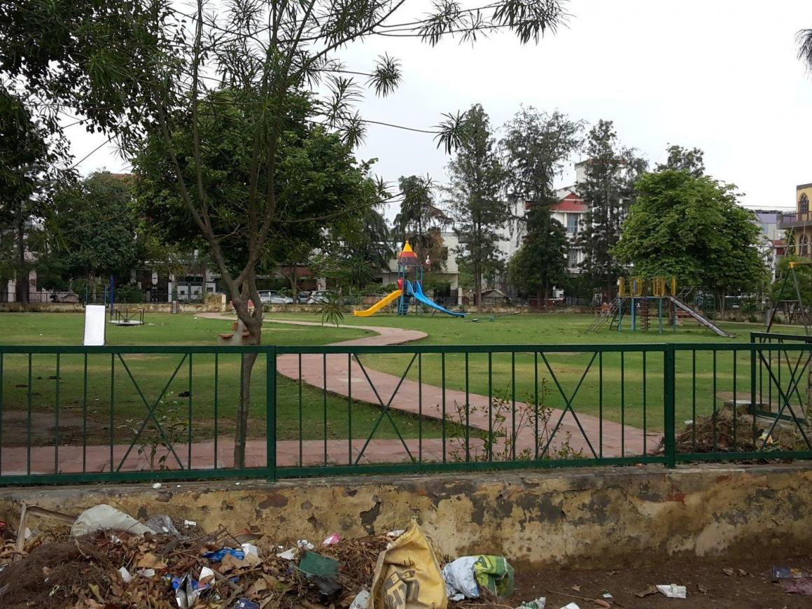 Parks Image of 1500 Sq.ft 3 BHK Independent House for buy in Delta II Greater Noida for 10000000
