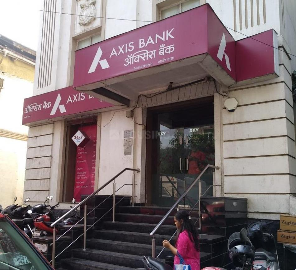 Banks Image of 500 Sq.ft 2 BHK Independent House for buy in Tardeo for 15000000