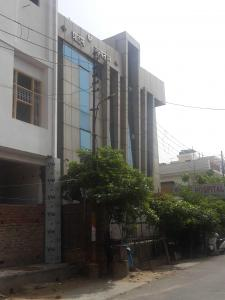 Hospitals & Clinics Image of 1050 Sq.ft 2 BHK Independent Floor for rentin Shastri Nagar for 7000