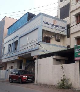 Schools & Universities Image of 700 Sq.ft 1 BHK Independent House for rent in Peerzadiguda for 5000