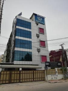 Schools & Universities Image of 1740 Sq.ft 3 BHK Apartment for rent in Madhapur for 50000