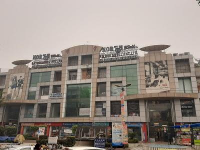 Shopping Malls Image of 700 - 3038 Sq.ft 3 BHK Apartment for buy in CGHS Shri Sai Baba Apartments