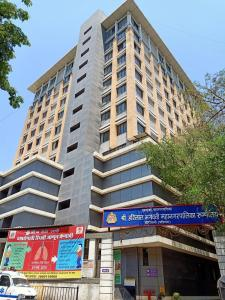 Hospitals & Clinics Image of 1250 Sq.ft 3 BHK Apartment for rentin Borivali West for 30000