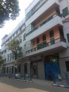 Schools & Universities Image of 1050 Sq.ft 4 BHK Independent Floor for rent in Maniktala for 18000