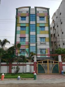 Schools &Universities Image of 1431 - 1660 Sq.ft 3 BHK Apartment for buy in PN Aabharana