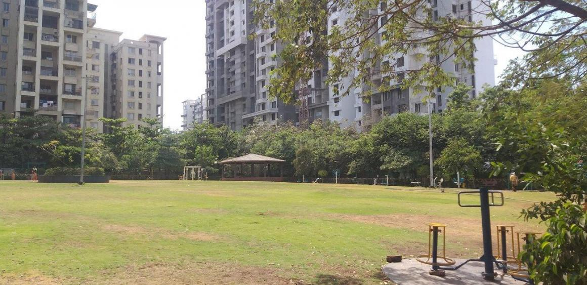 Parks Image of 802 - 950 Sq.ft 3 BHK Apartment for buy in Majestique Navkar B Building