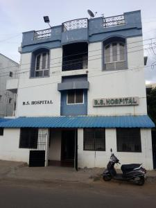 Hospitals & Clinics Image of 793 - 1013 Sq.ft 2 BHK Apartment for buy in JBM MANAS