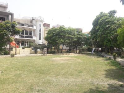 Parks Image of 900 - 1350 Sq.ft 2 BHK Independent Floor for buy in Urvashi
