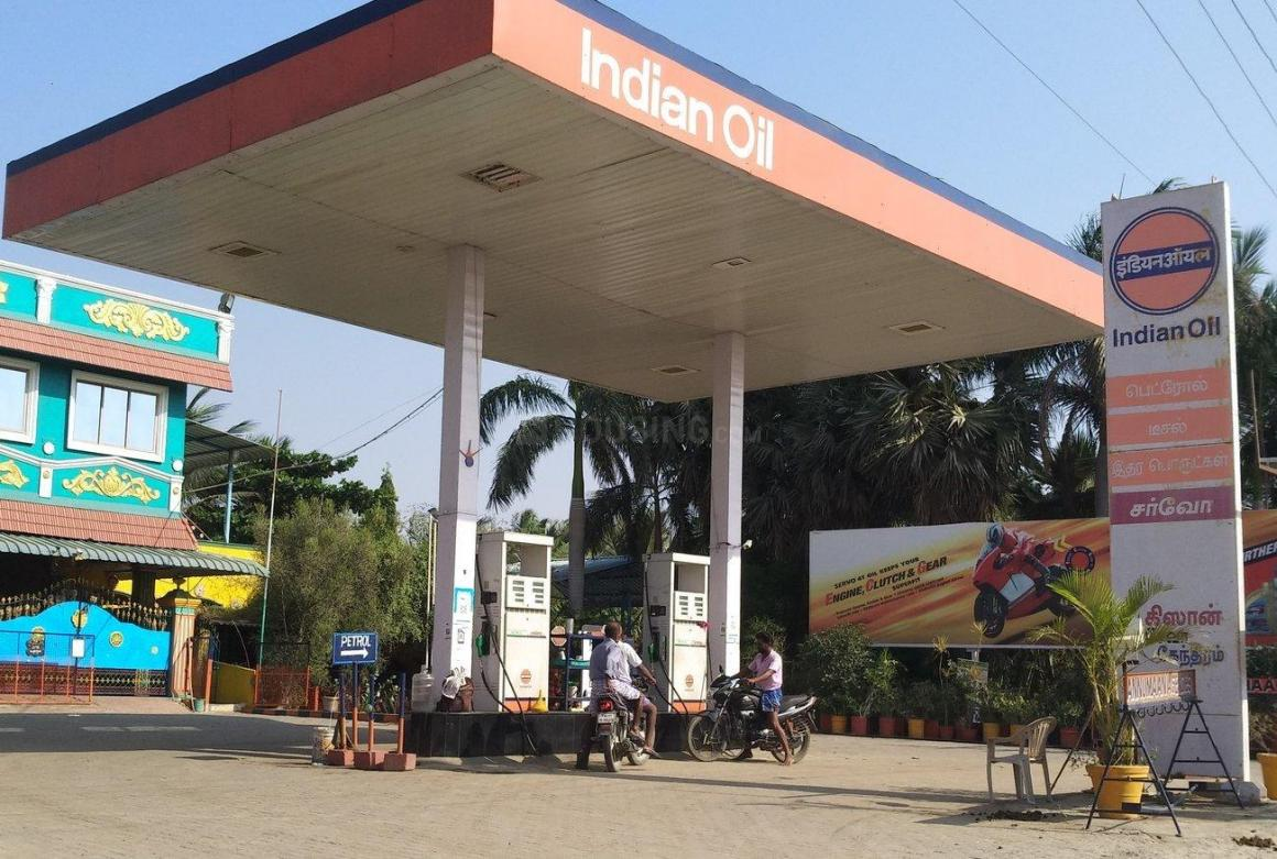 Petrol Pumps Image of 782 Sq.ft 1 RK Apartment for buy in Sathya Sai Nagar for 4300000