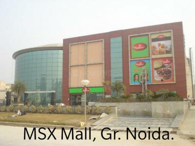 Shopping Malls Image of 2433.0 - 3250.0 Sq.ft 3 BHK Apartment for buy in Parsvnath Panorama