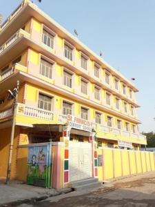 Schools & Universities Image of 3000 Sq.ft Residential Plot for buy in Budh Vihar for 12500000