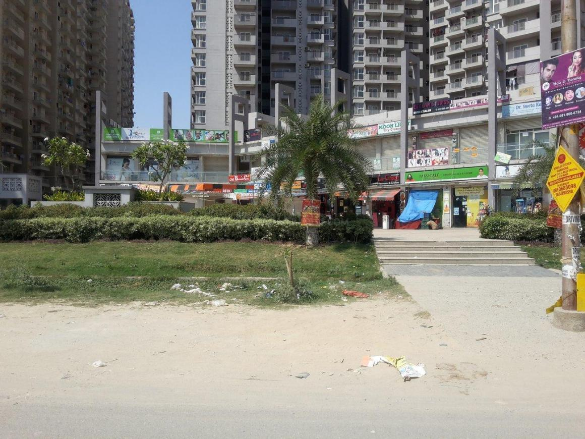 Shopping Malls Image of 711 Sq.ft 1 BHK Independent House for buy in Noida Extension for 2090000